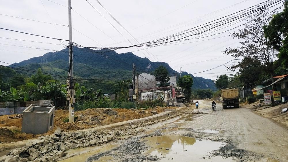 """Thanh tra Bộ Xây dựng chỉ ra những """"thiếu sót"""" tại một số dự án giao thông của tỉnh Hòa Bình"""