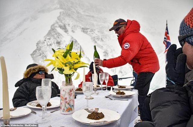 Kỷ lục Guinnes dành cho bữa tiệc sang trọng cao nhất thế giới