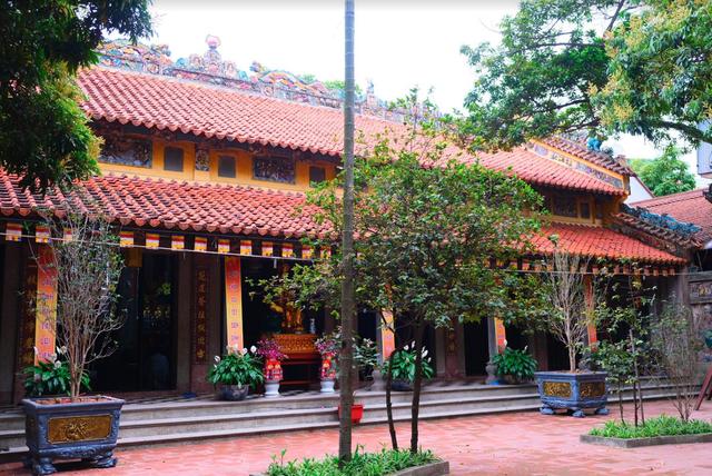 Kiến trúc độc đáo của ngôi chùa gốm sứ duy nhất ở Hà Nội