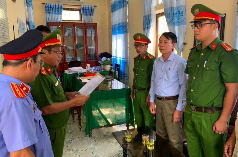 Thừa Thiên – Huế: Bắt tạm giam nguyên Chủ tịch UBND xã tham ô gần 1 tỷ đồng