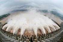 Trung Quốc thiệt hại gần 12 tỷ USD vì mưa lũ, đập Tam Hiệp đối mặt thử thách