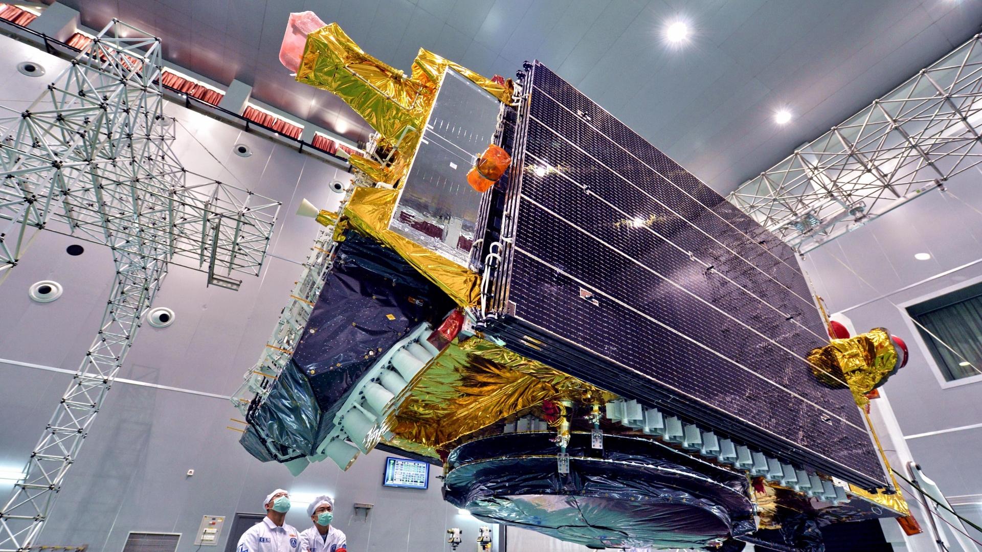 Trung Quốc phóng thành công vệ tinh viễn thông thương mại