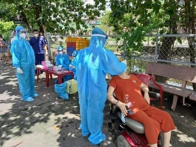 Thành phố Hồ Chí Minh: Đánh chặn COVID-19 từ cửa ngõ Hóc Môn
