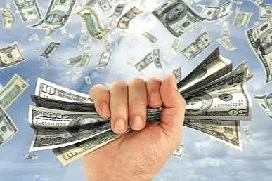 Giá cổ phiếu tăng điên cuồng, giới đại gia bất động sản