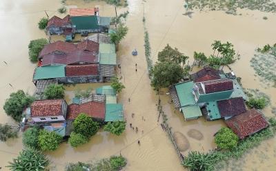 Quảng Ngãi sơ tán hàng nghìn người đến nơi tránh lũ