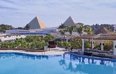 Khách sạn tuyệt đẹp có view thẳng ra Kim tự tháp