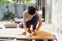 Hướng dẫn thi công sàn gỗ chuẩn quy cách