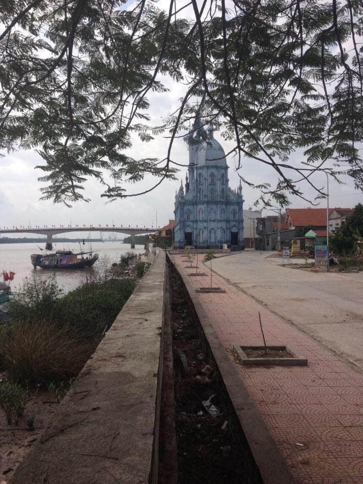 Bên ven bờ sông Chanh