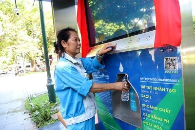 Người Hà Nội uống nước lọc