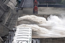 Trung Quốc nâng mức ứng phó khẩn cấp kiểm soát lũ ở khu vực sông Dương Tử