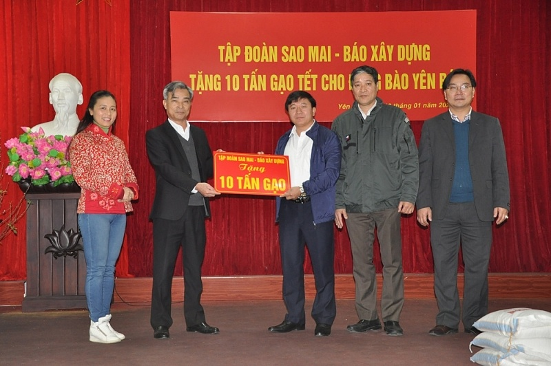 Sao Mai Group - Construction Newspaper gifted 10 tons of rice to the poor in Yen Bai province