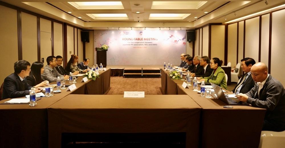 Roundtable meeting between Varsi and JPFI