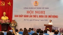Vietnam Construction Trade Union: Actively visit and subsidize members affected by Covid-19 epidemic
