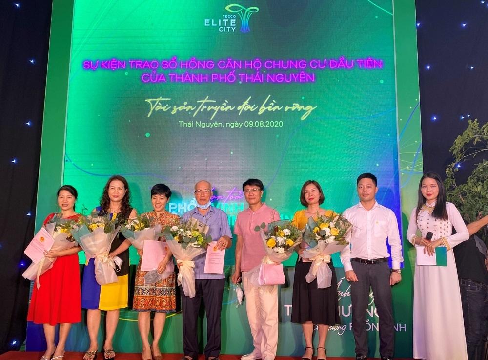 Giữ vững cam kết, Tập đoàn Tecco trao sổ hồng đầu tiên cho cư dân Thái Nguyên