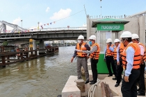Deputy Minister Le Quang Hung inspects Trung Nam's project to combat floods