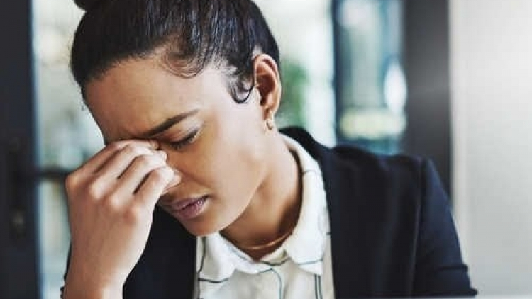Cẩn trọng với những cơn đau đầu vào buổi sáng