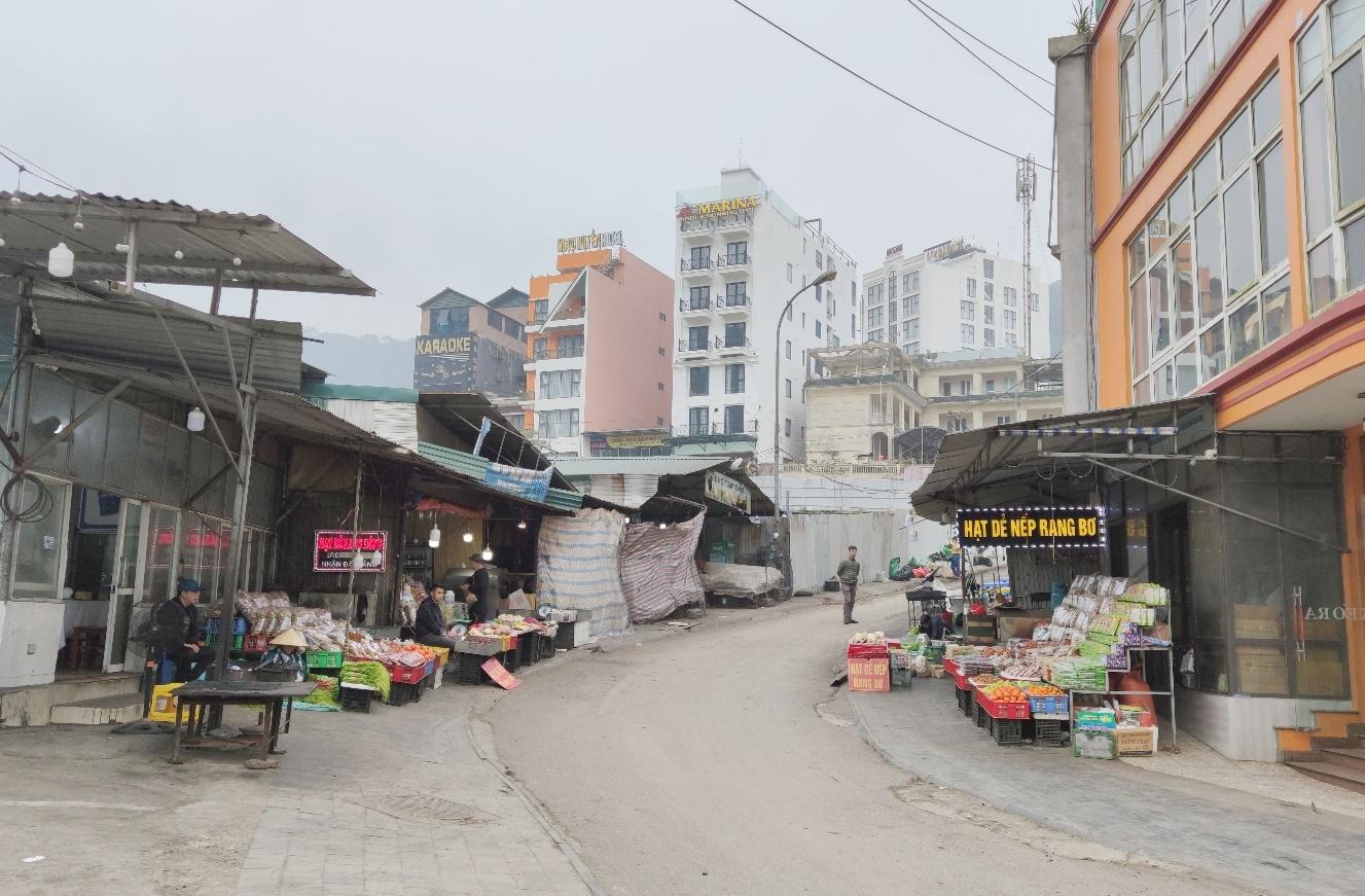 Vĩnh Phúc: Chợ tạm Tam Đảo bao giờ người dân mới được sử dụng?