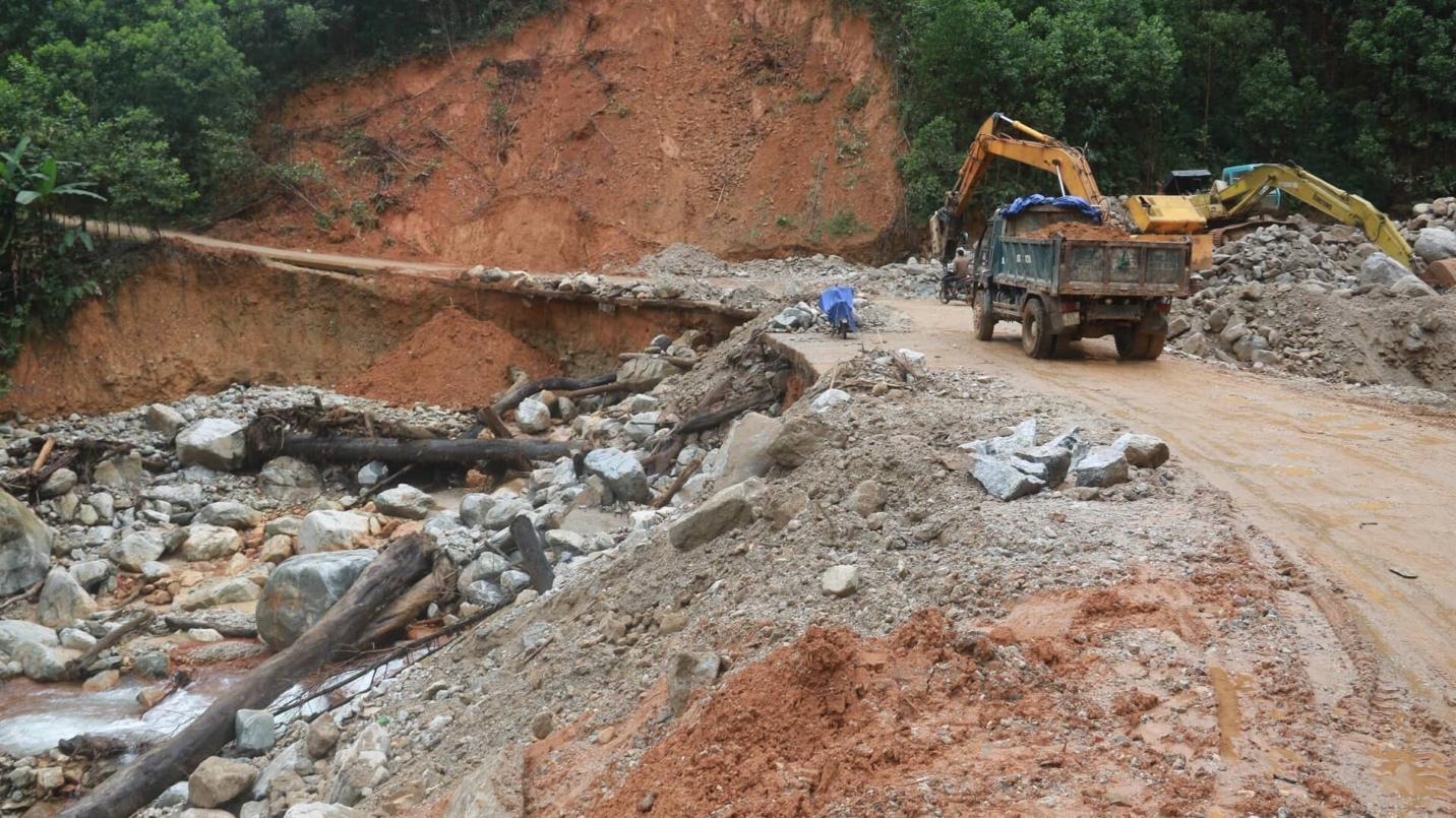 Nguyên nhân và giải pháp giảm thiểu lũ quét, sạt lở đất ở khu vực miền Trung