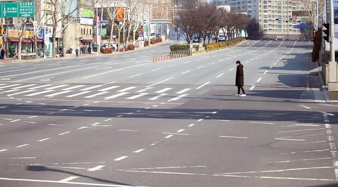 Thành phố Hàn Quốc vắng tanh vì nCoV