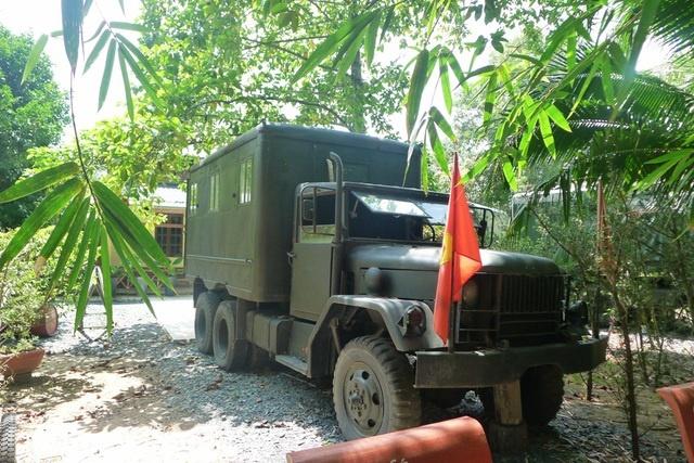 Cải tiến 30 xe quân sự… thành phòng nghỉ độc đáo