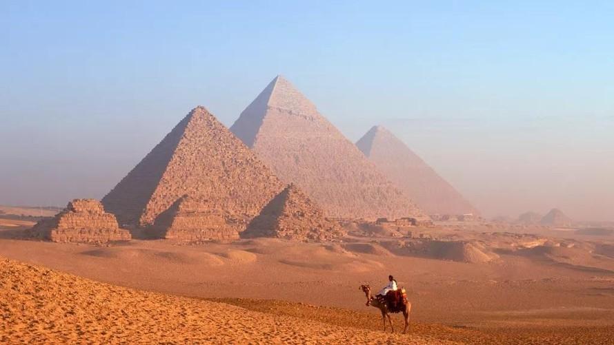 Ai mới thực sự là người đã xây các kim tự tháp Ai Cập?