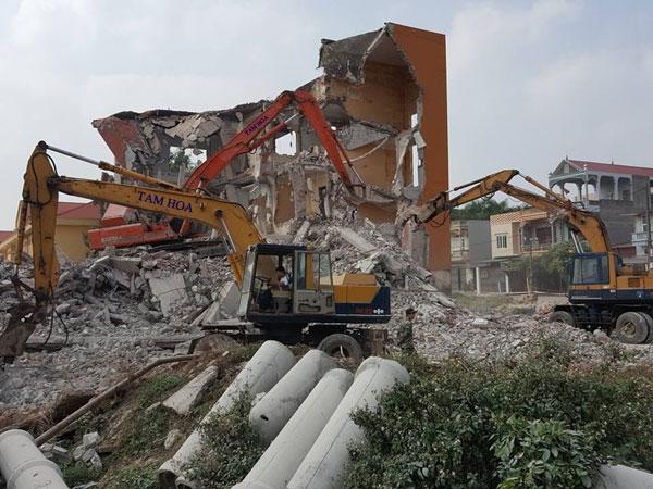 Công trình xây dựng bị phá dỡ khẩn cấp trong trường hợp nào?