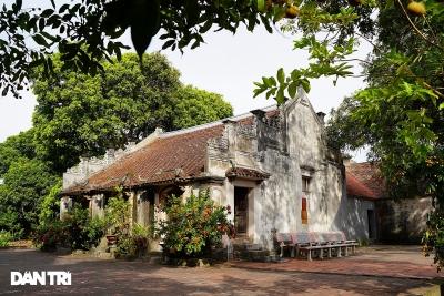Chiêm ngưỡng di tích đá, tượng gỗ độc đáo trong chùa cổ 700 tuổi ở xứ Đông