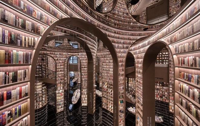 Thư viện vô cực hút khách nhờ tuyệt chiêu đánh lừa thị giác