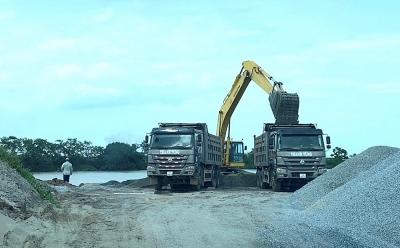 Dương Kinh (Hải Phòng): Trạm bê tông, bến bãi trái phép xâm phạm hành lang đê, ô nhiễm môi trường