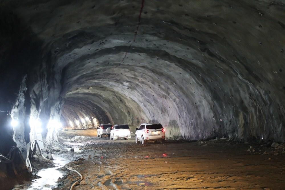 Quảng Ninh: Chính thức thông hầm đường bao biển Hạ Long – Cẩm Phả