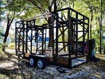 Vợ chồng trẻ đi nhặt phế liệu thiết kế thành ngôi nhà đẹp không ngờ