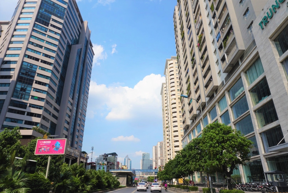 Hà Nội: Quá tải hạ tầng tuyến đường Lê Văn Lương, Tố Hữu
