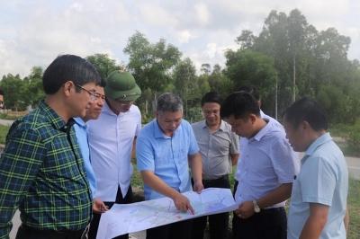 Nghệ An: Khảo sát thu hút đầu tư, thương mại và du lịch vào thị xã Hoàng Mai