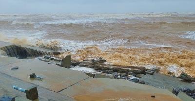Quảng Bình: Kè biển 26 tỷ đồng liên tục bị sập đổ, hư hỏng
