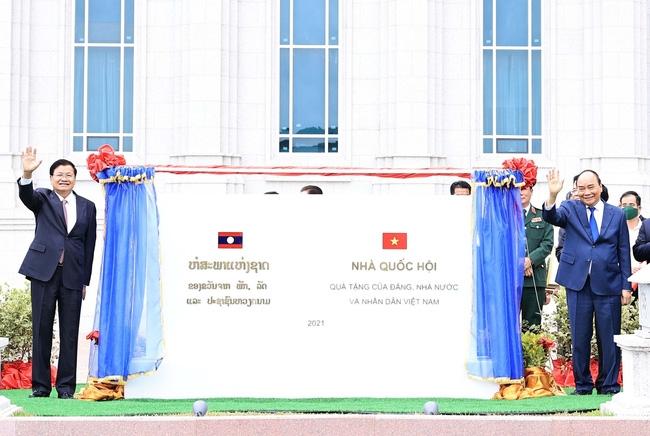 Nhà Quốc hội Lào - biểu tượng mới của quan hệ Việt Nam - Lào