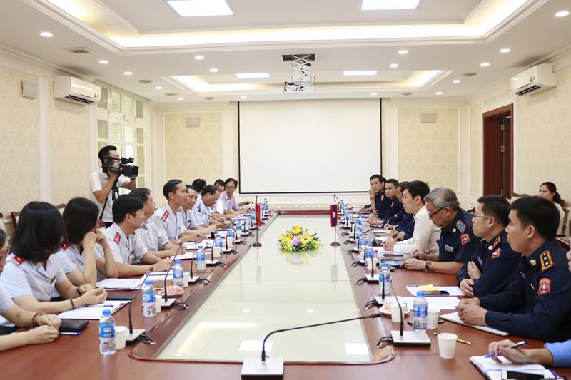 Thanh tra Bộ Xây dựng tiếp đoàn Thanh tra Bộ Công chính và Vận tải Lào
