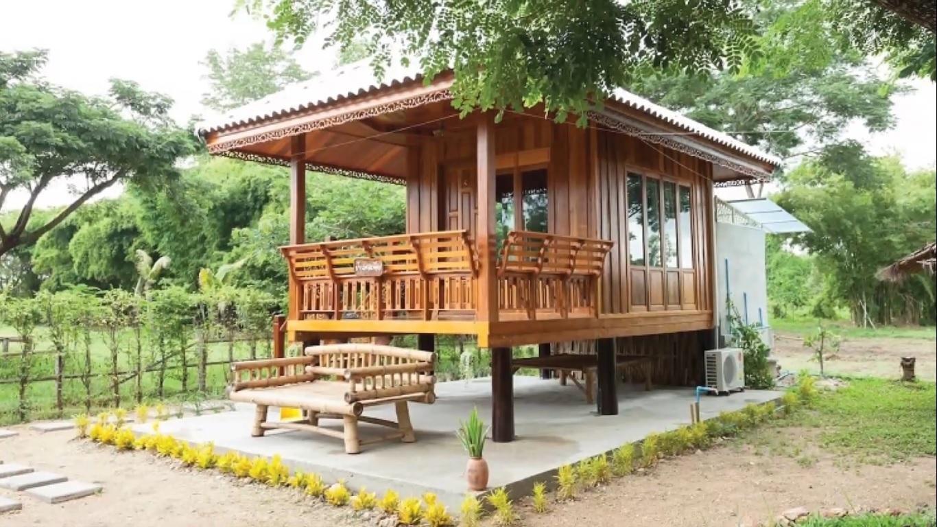 Căn nhà gỗ nhỏ hòa mình với thiên nhiên đẹp hút mắt