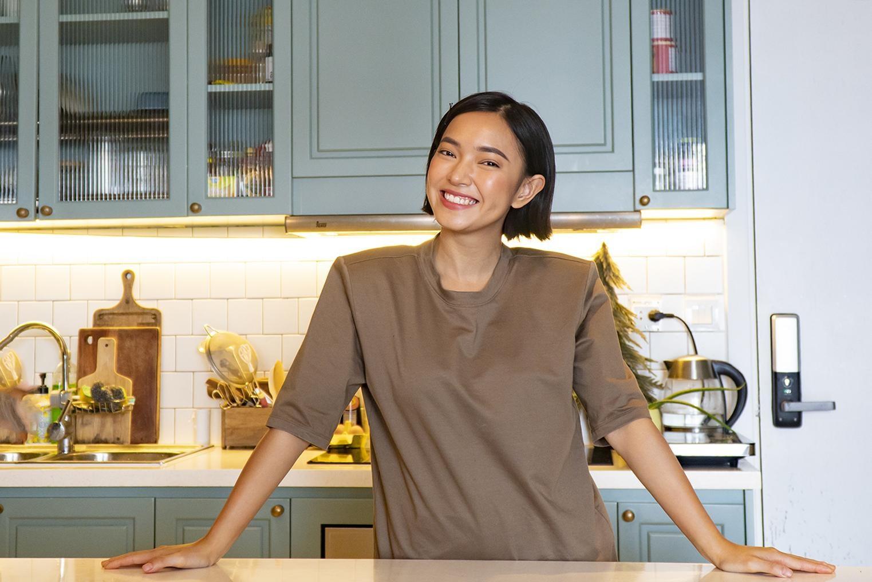Căn bếp thiết kế như quán cà phê vintage của Châu Bùi
