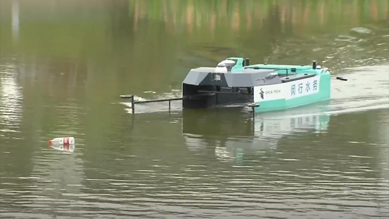 Robot dọn rác lần đầu được sử dụng trên sông ở Trung Quốc