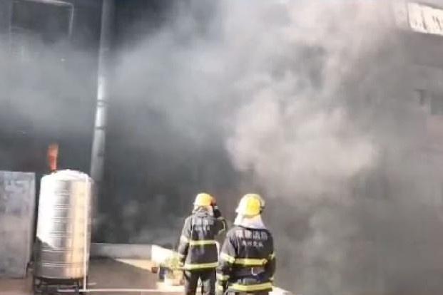 Cháy tòa nhà 7 tầng ở Trung Quốc, 8 người thiệt mạng